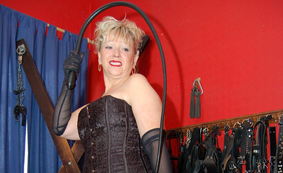 Gallery of femdom mistresses punishing male slaves - 3 part 8